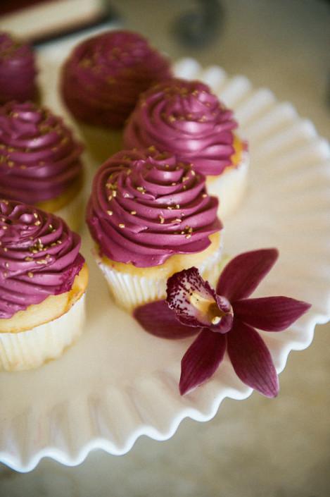 marsala wedding cupcakes
