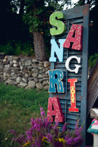 sangria table sign