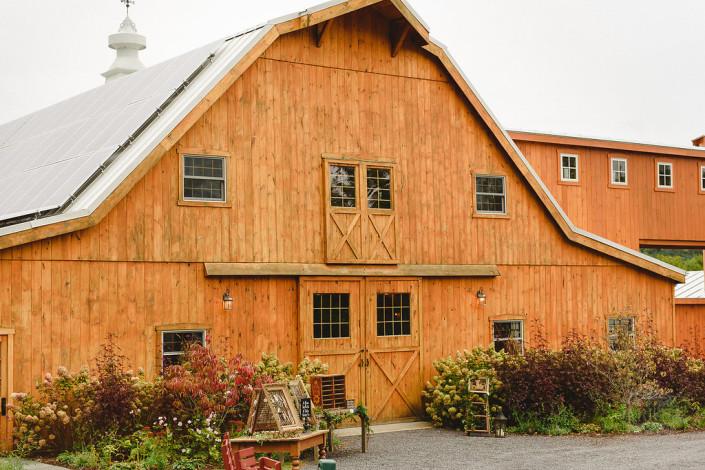 the barn - oak hill wedding