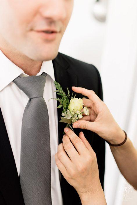 groom - handsome hollow
