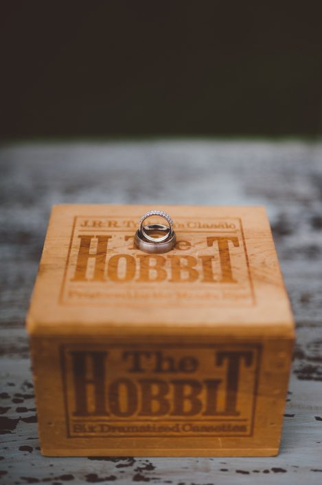 the hobbit box - handsome hollow wedding