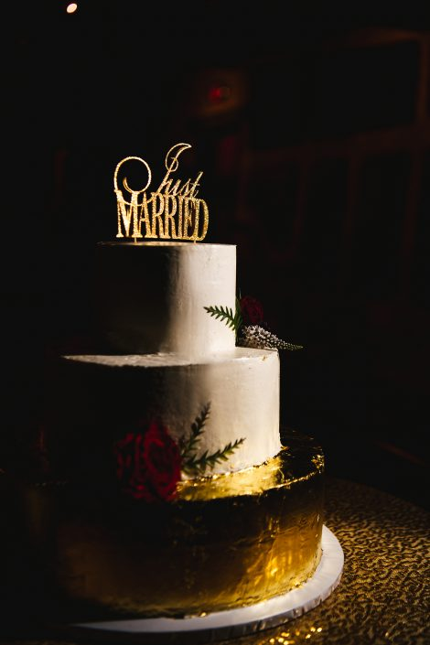 gold wedding cake - hudson ny wedding