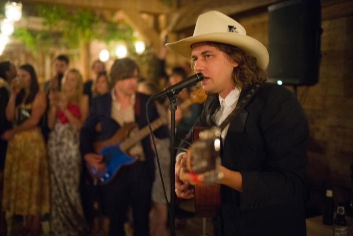 guitarist wedding - hayfield Catskills wedding