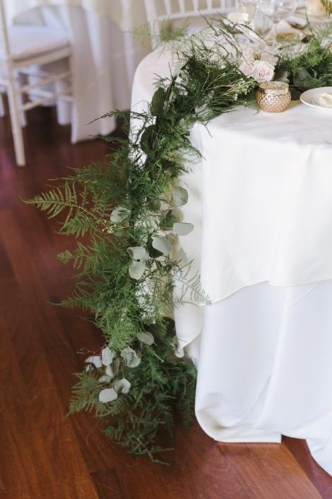 floral runner - viridescent floral