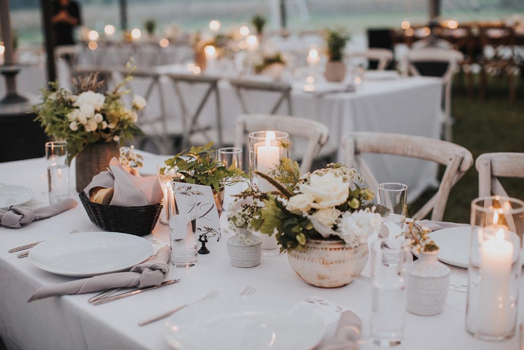 Simple wedding tablescapes design